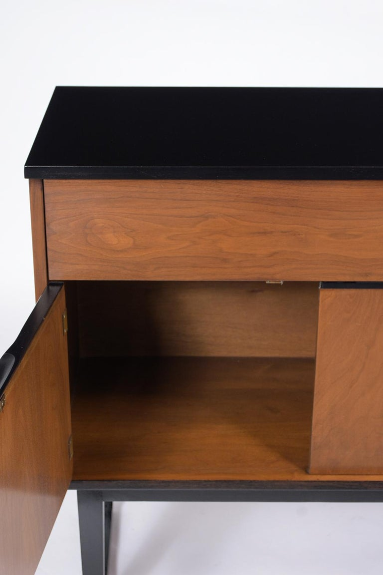 Vintage Mid Century Modern Danish Credenza In Good Condition For Sale In Los Angeles, CA