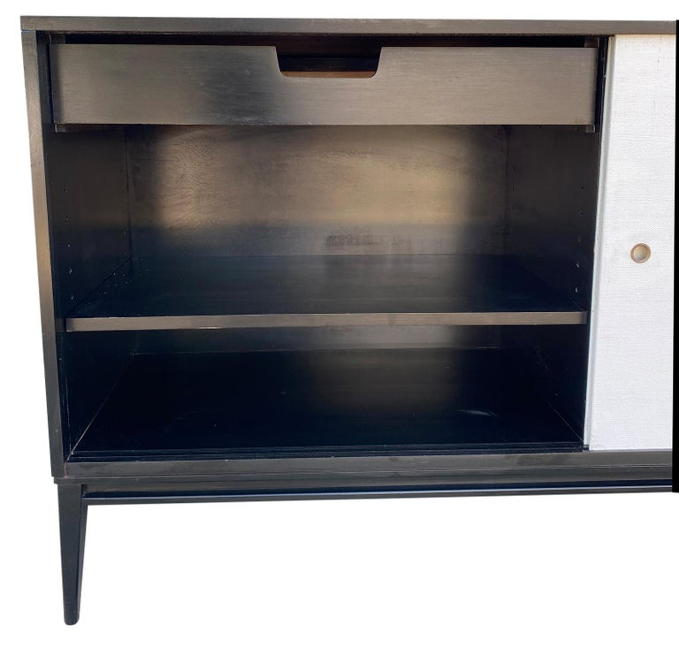 20th Century Midcentury White Door Credenza Paul McCobb Planner Group #1514 Black Lacquer For Sale
