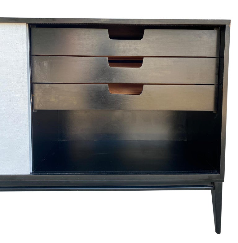 Maple Midcentury White Door Credenza Paul McCobb Planner Group #1514 Black Lacquer For Sale