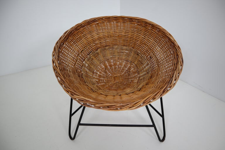 20th Century Midcentury Wicker Easy Lounge Patio Chairs Designed in Europe, 1960s For Sale