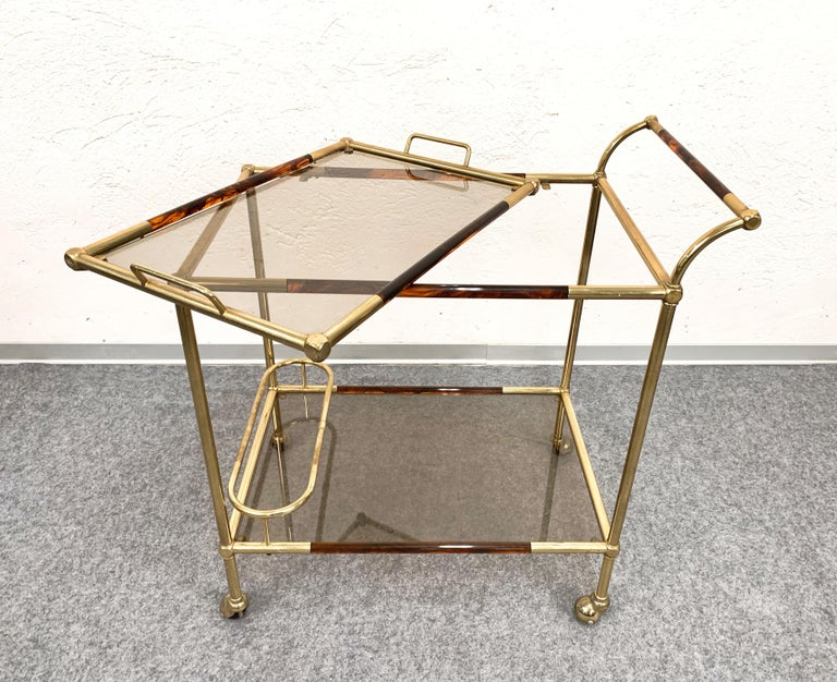 Midcentury Willy Rizzo Brass and Lucite Italian Trolley with Service Tray, 1980s For Sale 1