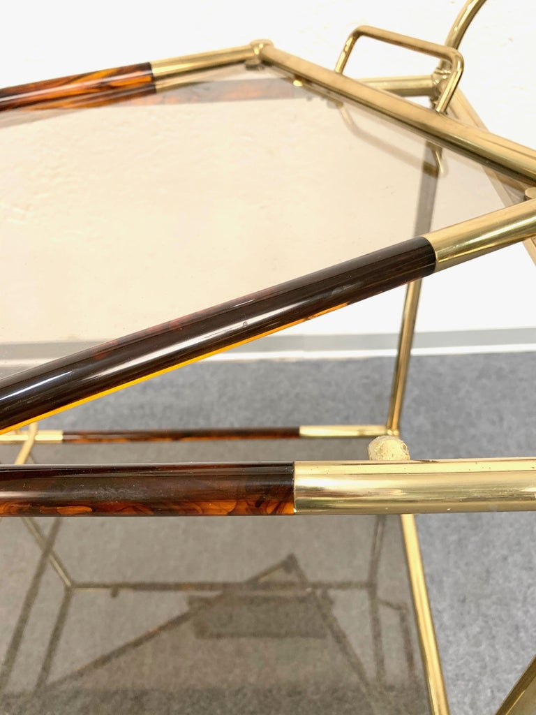 Midcentury Willy Rizzo Brass and Lucite Italian Trolley with Service Tray, 1980s For Sale 3