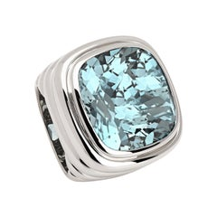 Middle Ages Ring in 18 Carat White Gold with 1 Aquamarine 25.48 Carat