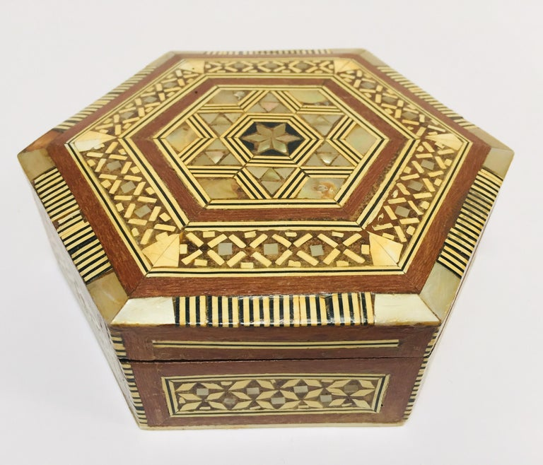 Exquisite handcrafted Middle Eastern Syrian mother of pearl inlaid walnut wood box.