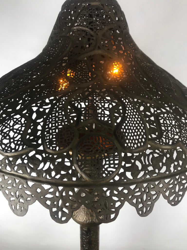 Middle eastern moorish syrian brass pierced floor lamp in good condition for sale in buffalo