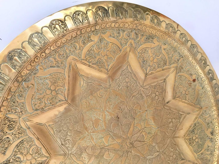 Middle Eastern Persian Antique Round Brass Tray In Excellent Condition For Sale In North Hollywood, CA