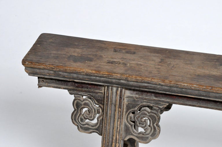 Middle Qing Dynasty Chinese Bench Century In Good Condition For Sale In Chicago, IL
