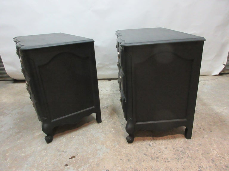 Midnight Black Set of Rococo Chest of Drawers In Good Condition For Sale In Hollywood, FL
