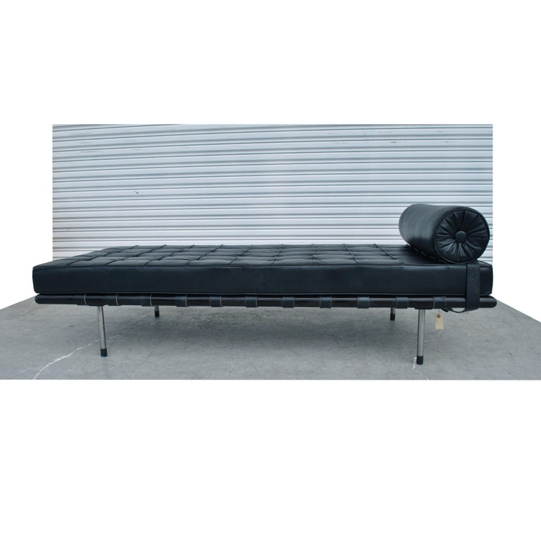 Mies van der Rohe Brazilian Artesian Classic Daybed 2