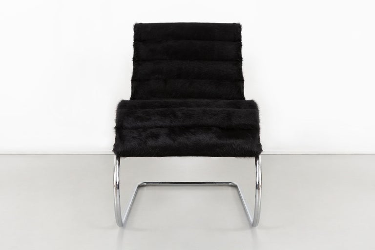 Late 20th Century Mies van der Rohe MR Chaise for Knoll Reupholstered in Brazilian Cowhide For Sale