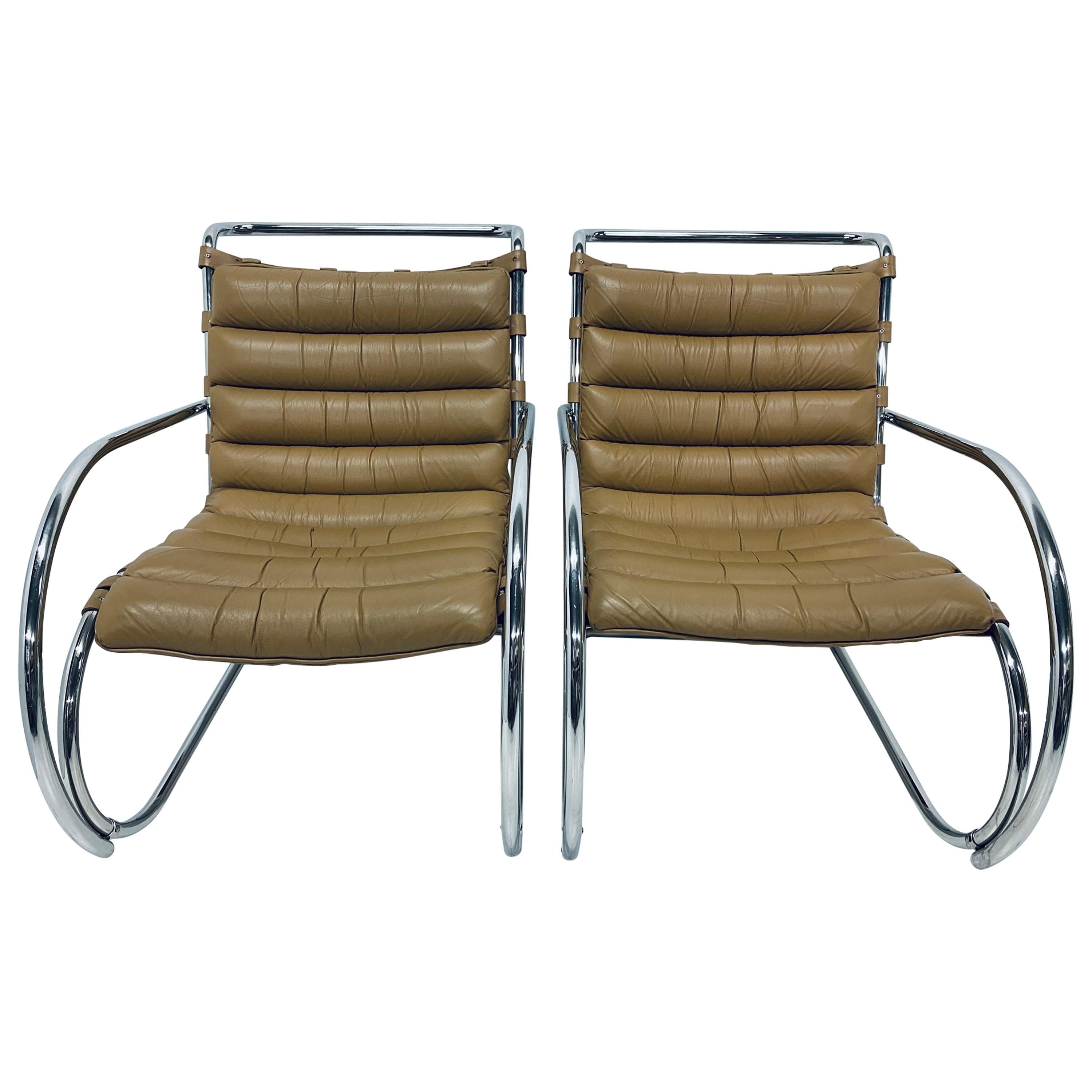 Mies van der Rohe MR Lounge Chairs with Arms by Knoll, a Pair