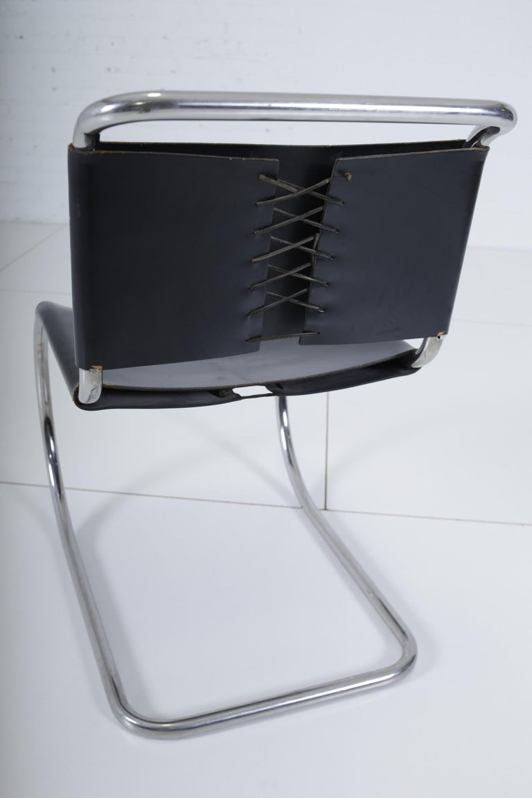 Mies van der Rohe MR10 Chairs for Knoll In Good Condition For Sale In Chicago, IL