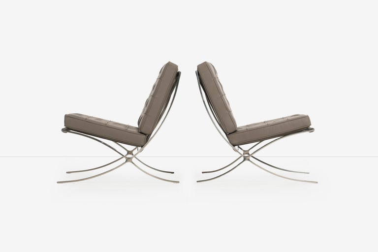 Mies van Der Rohe Pair of Barcelona Chairs and Ottoman for Knoll International In Good Condition In Chicago, IL