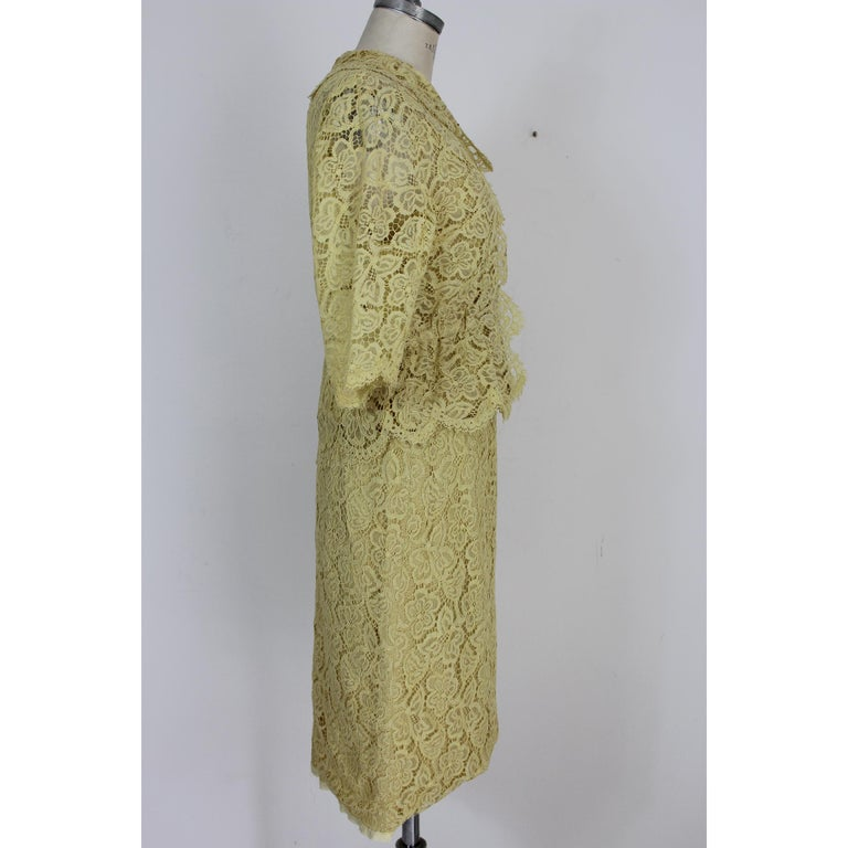Mignon Yellow Silk Lace Museum Dress Suit Skirt and Jacket 1960s In Good Condition For Sale In Brindisi, Bt