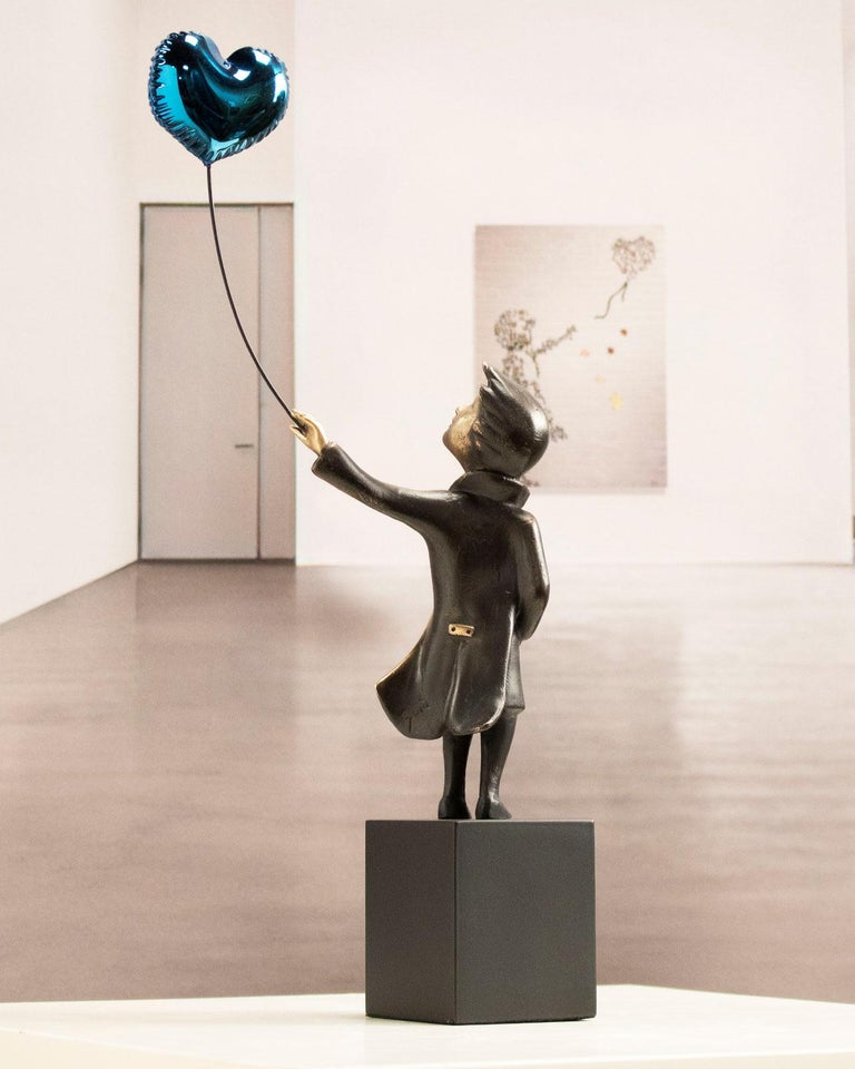 A boy with balloon Big - Miguel Guía Street Art Cast bronze Sculpture For Sale 10