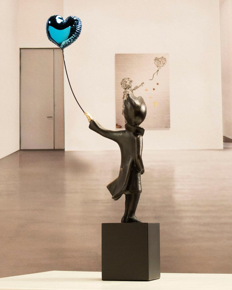 A boy with balloon Big - Miguel Guía Street Art Cast bronze Sculpture For Sale 11