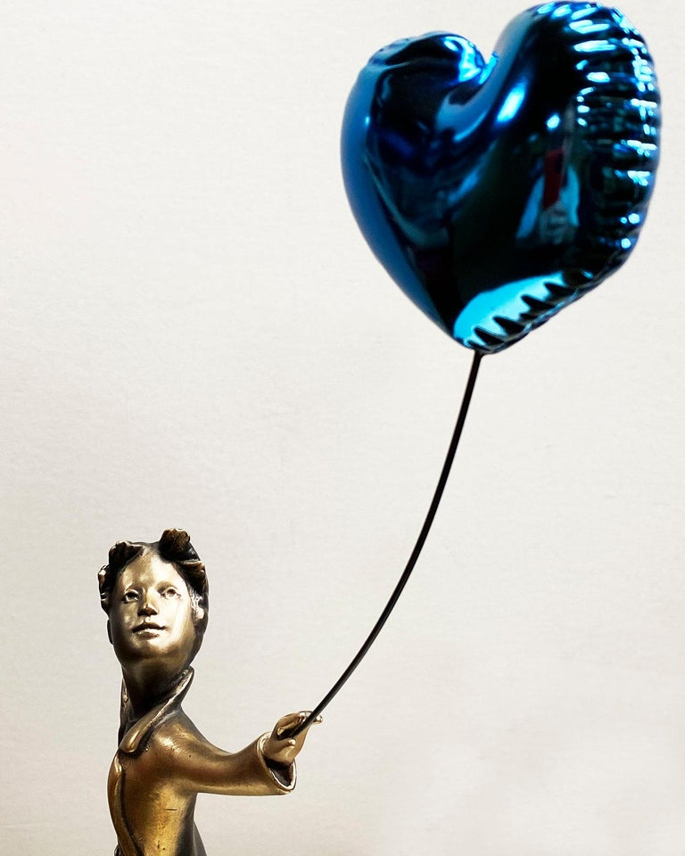 A boy with balloon Big - Miguel Guía Street Art Cast bronze Sculpture For Sale 12