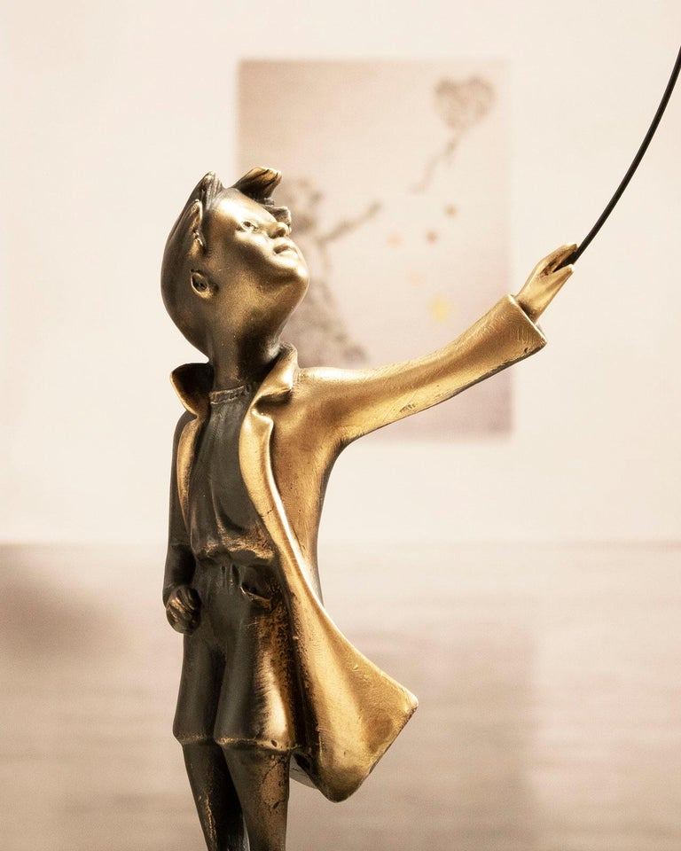 A boy with balloon Big - Miguel Guía Street Art Cast bronze Sculpture For Sale 13