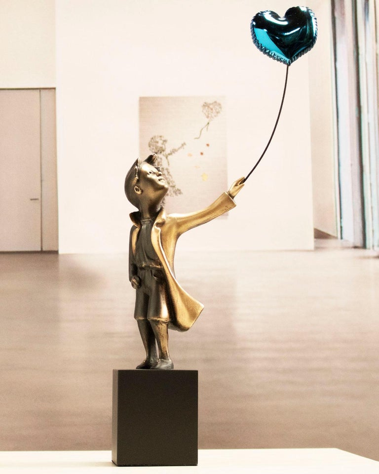 A boy with balloon Big - Miguel Guía Street Art Cast bronze Sculpture For Sale 6