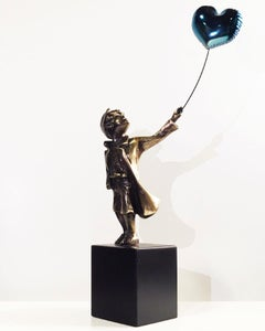 A boy with balloon - Miguel Guía Street Art Cast bronze Sculpture