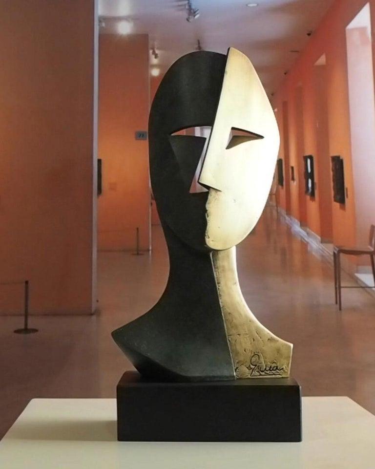 Big Cubiste Mask - Miguel Guía Cubist Bronze layer Sculpture 8