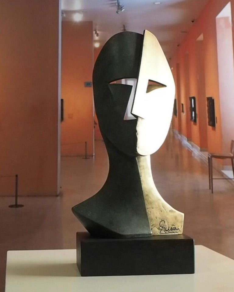 Big Cubiste Mask - Miguel Guía Cubist Bronze layer Sculpture 9