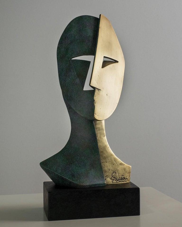 Big Cubiste Mask - Miguel Guía Cubist Bronze layer Sculpture - Gold Figurative Sculpture by Miguel Guía