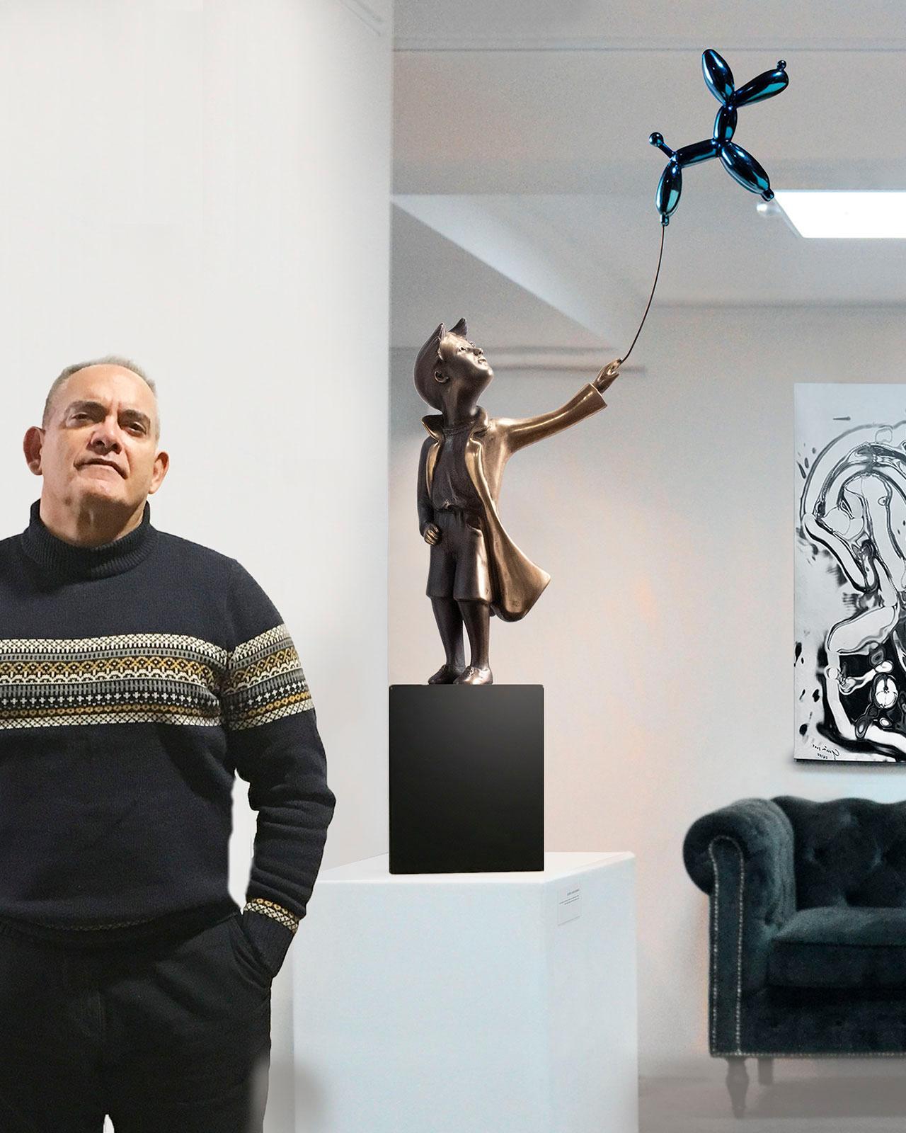 Child with balloon dog 76 – Miguel Guía Street Art Cast bronze Sculpture