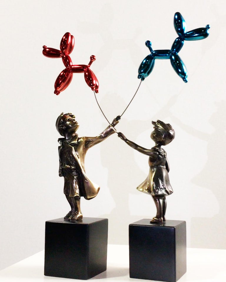 Child with balloon dog Big – Miguel Guía Street Art Cast bronze Sculpture For Sale 11