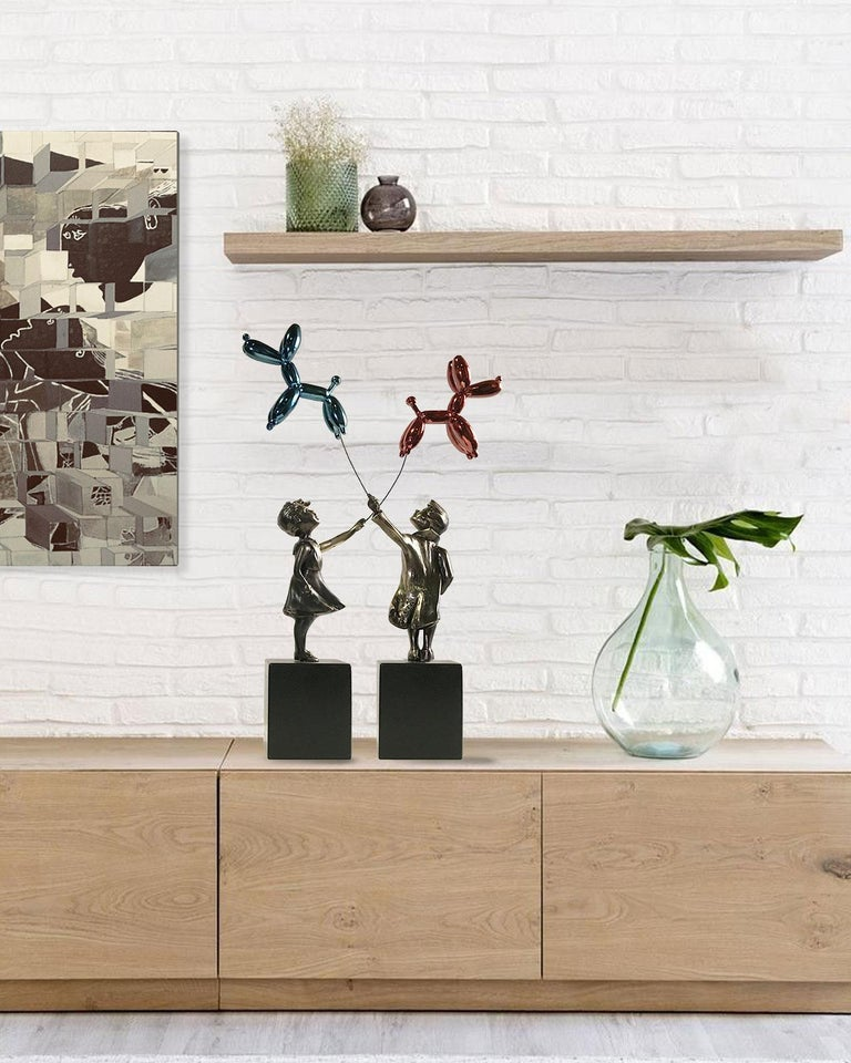 Child with balloon dog Big – Miguel Guía Street Art Cast bronze Sculpture For Sale 1