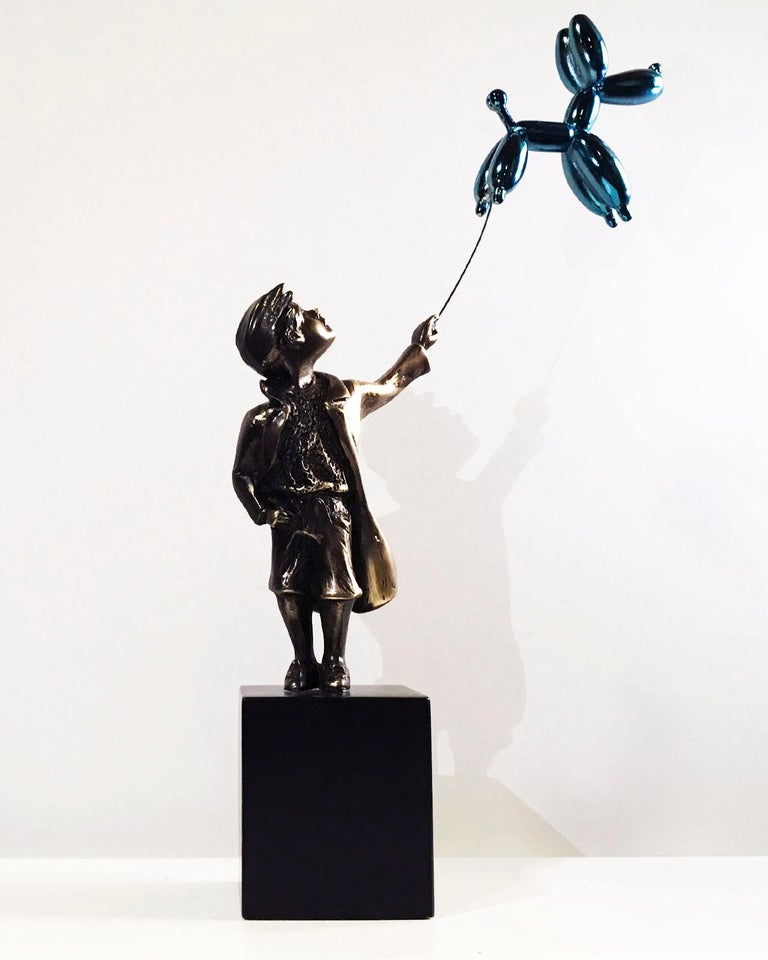 Child with balloon dog Big – Miguel Guía Street Art Cast bronze Sculpture For Sale 5