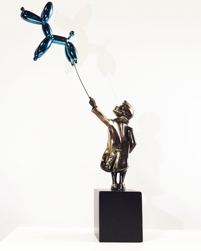 Child with balloon dog Big – Miguel Guía Street Art Cast bronze Sculpture For Sale 7