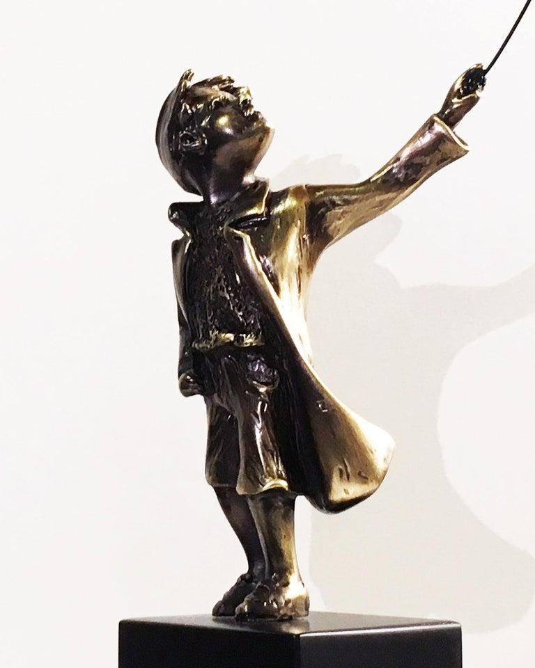 Child with balloon dog - Miguel Guía Street Art Cast bronze Sculpture 8