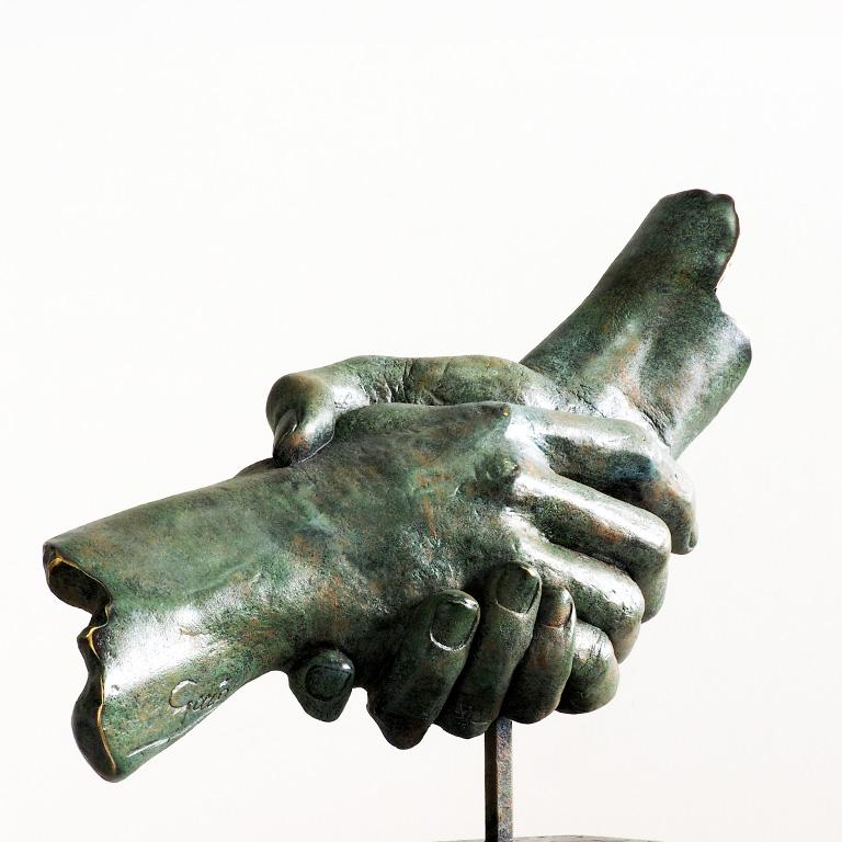 Friendship - Miguel Guía Realism Bronze layer Sculpture 4