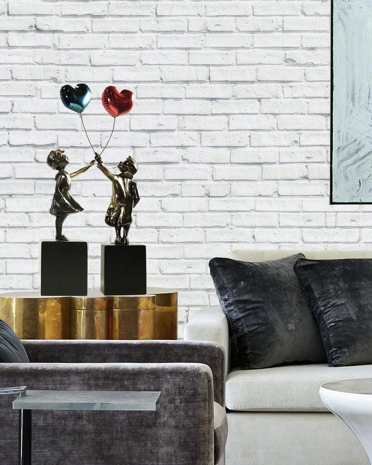 Girl with red balloon – Miguel Guía Street Art Cast bronze Sculpture Big 1
