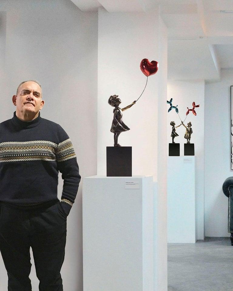Girl with red balloon – Miguel Guía Street Art Cast bronze Sculpture Big 4