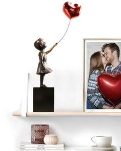 Girl with red balloon – Miguel Guía Street Art Cast bronze Sculpture Big