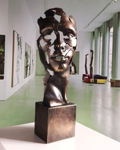 The man of the future - Miguel Guía Expressionist Bronze layer Sculpture