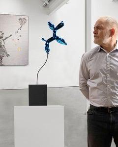 Weightless balloon dog blue 63 - Miguel Guía, Pop Art Nickel layer Sculpture