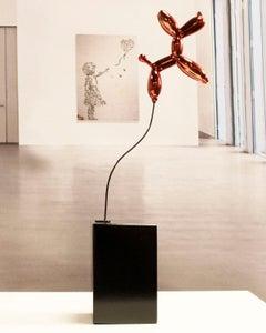 Weightless balloon dog red - Miguel Guía, Pop Art Nickel layer Sculpture