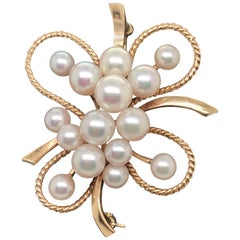 Mikimoto Akoya Culture Pearl Brooch 14 Karat Yellow Gold
