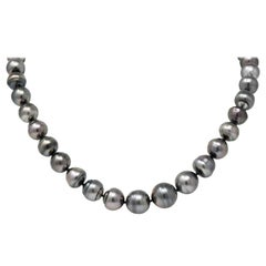 Mikimoto Contemporary Black Tahatian South Sea Pearl 18 Karat Gold Necklace