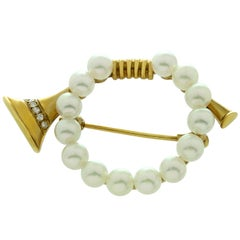 Mikimoto Diamond Pearl Yellow Gold Brooch