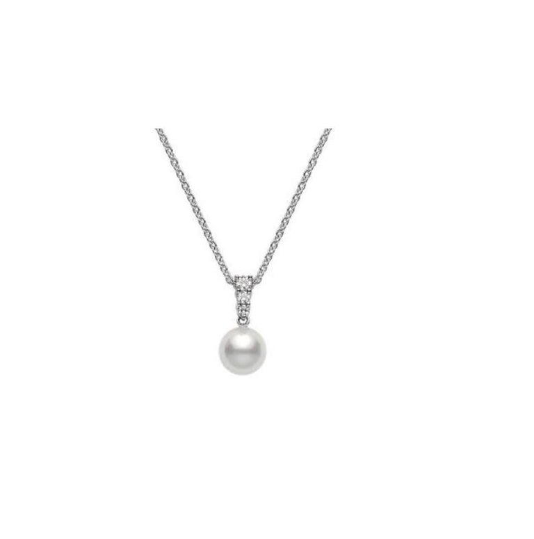 Round Cut Mikimoto Pearl Necklace For Sale