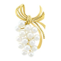 Mikimoto Pearl Set Gold Brooch