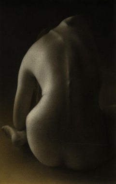 Dos III (A young nude woman seen from the back)