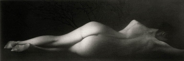 Mikio Watanabe Nude Print - Sommeil (a sensuous nude woman sleeps on her side)