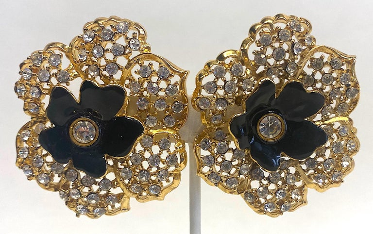 Mila Schön Gold 1980s Large Gold & Black Enamel Flower Earrings In Excellent Condition For Sale In New York, NY
