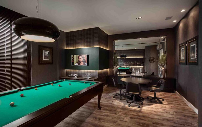 Customizable Modern Luxury Pool Table in Lacquer For Sale 2