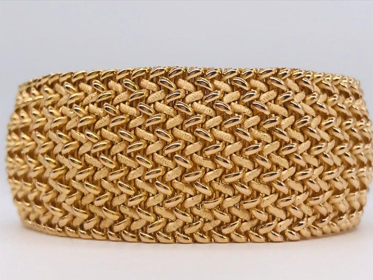 Contemporary Milanese Mesh Flexible Clamper Bracelets Yellow Gold 18 Karat For Sale